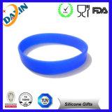 Wristband poco costoso all'ingrosso all'ingrosso del silicone