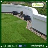 Decoração ao ar livre do jardim que bloqueia a telha artificial da grama