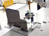 Automatische selbstsichernde Tischplattenmaschine mit dem Roboter-Arm