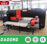 Dadong에서 특별한 무거운 강철 플레이트 유압 CNC 펀칭기 가격