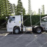 HOWO 371HPの頑丈な4*2トラクターのトラック