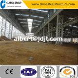 La Cina poco costosa facile e velocemente installa il magazzino/fabbrica della struttura d'acciaio/liberato di con la gru a ponte