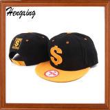 綿の刺繍によって合われる帽子の平らな縁の急な回復の帽子
