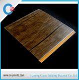 木の薄板にされたデザインPVC天井平らなPVCガレージの壁パネル