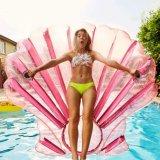 膨脹可能なカメオのシェルのソファーのプールのおもちゃのマットの浮遊物を泳ぐ休日
