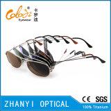 Óculos de sol de titânio de design mais recentes para condução com lente de polaroid (T3025-C2)