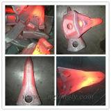 構築機械装置および採鉱設備のためのバケツの歯を造る掘削機の予備品