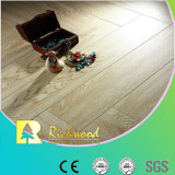 De commerciële In reliëf gemaakte Eik v-Gegroefte Gelamineerde Vloer van 8.3mm AC3