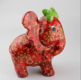 El elefante lindo de los nuevos productos diseñó la batería guarra que cuenta el dinero