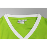 Großhandelsmänner schließen Stutzen-Form-Drucken-T-Shirt der Hülsen-normales V kurz