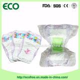 Une pente faite dans des couches-culottes de bonne qualité de bébé de la Chine