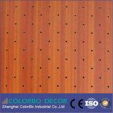 Painéis de parede acústicos perfurados de madeira da estrutura coerente compata