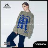 カスタマイズされたパターン女性は長い袖によって編まれた丸首のセーターを肋骨で補強した