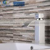 Rubinetto del bacino della vasca da bagno con la filigrana approvata per la stanza da bagno