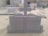 Pietra tombale cinese del granito G664/pietra/Headstone gravi nello stile della Romania con il disegno personalizzato