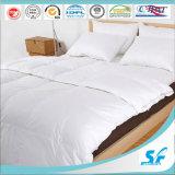 Donw luxuoso gosta do Comforter da cama do hotel da fibra