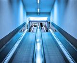 Escada rolante resistente do público do metro do aeroporto