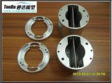 CNC da alta qualidade que gira com as peças de metal