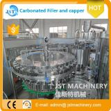 Chaîne de production de mise en bouteilles de l'eau carbonatée