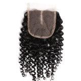 Chiusure bassa di seta tre/liberi/parte centrale del merletto dei capelli 4X4 della parte superiore della chiusura bassa di seta svizzera del merletto di Kinly del Virgin dei capelli umani delle parti peruviane ricce delle chiusure