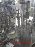 Engarrafamento e máquina tampando