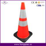 Condução de Cone de Tráfego com Condução de PVC