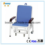 Muebles del hospital que acompañan sillas