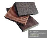 반대로 UV, 오래 견딘의 이점을%s 가진 우량한 홈이 있는 WPC Decking 지면, 퇴색 및 부수는 WPC 마루 없음