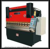 Populair in het Machinaal bewerken van Europa CNC de Verticale Werktuigmachine EV1580m van het Centrum