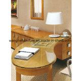 Mobília simples do quarto do hotel do estilo