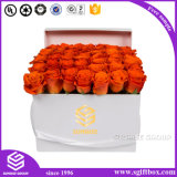 Caixa de embalagem quadrada branca com logotipo de ouro para flores