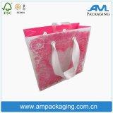Bestellte das Papierbeutel-kundenspezifische Einkaufen voraus, das Kraftpapier-Geschenk-Beutel-Entwurf faltet