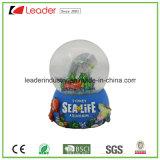 Polyresin ha personalizzato il globo dell'acqua con scintillio per i regali del ricordo
