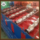 Farben-Stahldach-Fliese-Panel-Platten-Rolle, die Maschine herstellend sich bildet