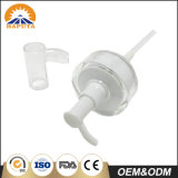 Weiße kosmetische Plastikflaschenkapsel