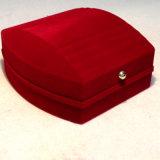 Recht Stripes Rot Schmucksache-Kasten