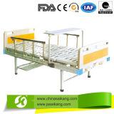 高さ調節を用いる金属の病院用ベッド