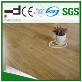 Vergaser-grauer alter Standardstall-klassischer lamellenförmig angeordneter Bodenbelag