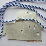 Médaille d'argent antique avec un ruban