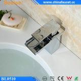 Faucet moderno da bacia da cachoeira do cromo de bronze de Beelee