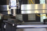 Máquina de estaca precisa do laser da fibra do PWB & do FPC 150W do metal da folha e da tubulação da liga