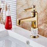 Ouro de Flg que pinta o Faucet cerâmico da bacia do banho da porcelana da flor