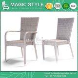 一定の庭のスタック可能椅子の柳細工の編む椅子を食事する椅子のテラスの藤を食事する屋外の食事の一定の藤