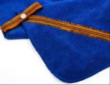 Microfiberは遊ばすホックおよびヴェルクロ(ポケットが付いている浴室タオル)が付いているタオルを