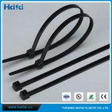 Связи кабеля с черной пропиткой сделанные из Nylon пластмассы