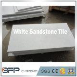 Mattonelle bianche di pietra naturali dell'arenaria di alta qualità per la decorazione dell'interno