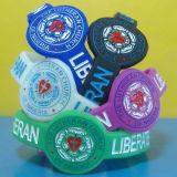 Braccialetti personalizzati del silicone riempiti inchiostro di figura della vigilanza con i campioni liberi