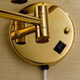 Miroir rond d'or cosmétique d'éclairage de renivellement