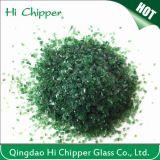 Puces en verre vert-foncé écrasées