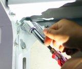Поверните отвертку загиба угла для того чтобы общаться с экстренный выпуск разносторонним